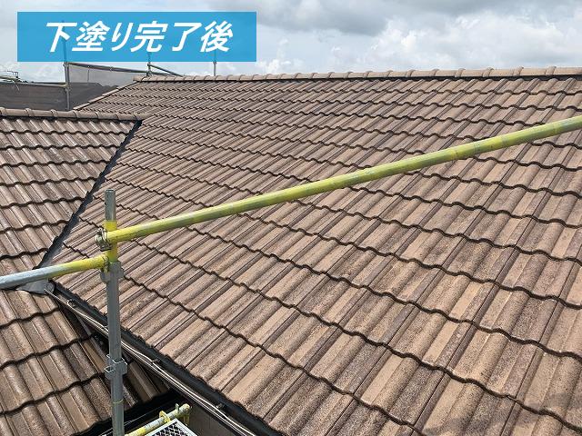 屋根の下塗り完了後
