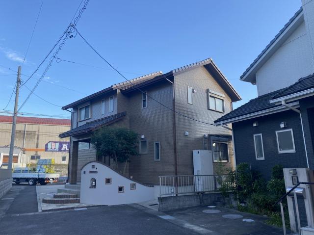 松阪市立田町でハイブリッドシリコン塗料で屋根の塗装をしました
