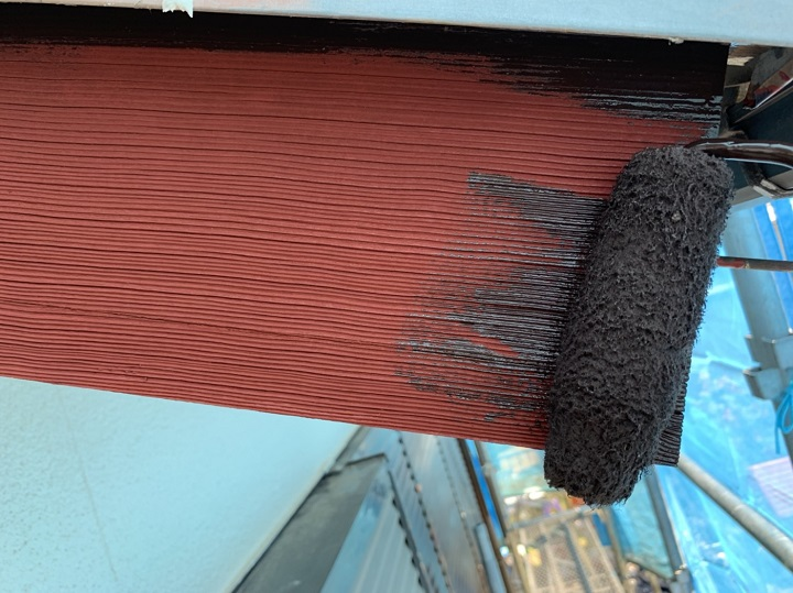 フッ素での木部塗装の様子