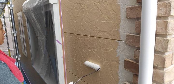 外壁下塗り写真