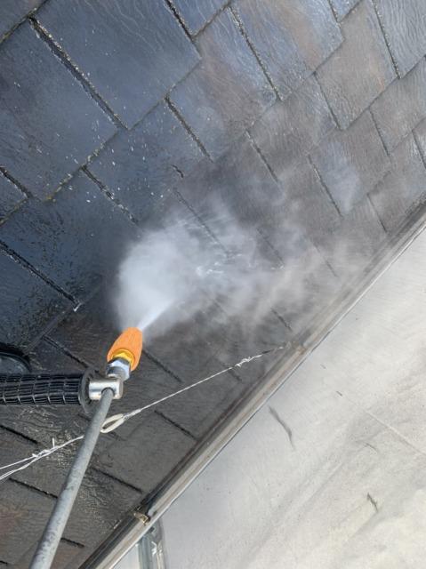 屋根の水洗い